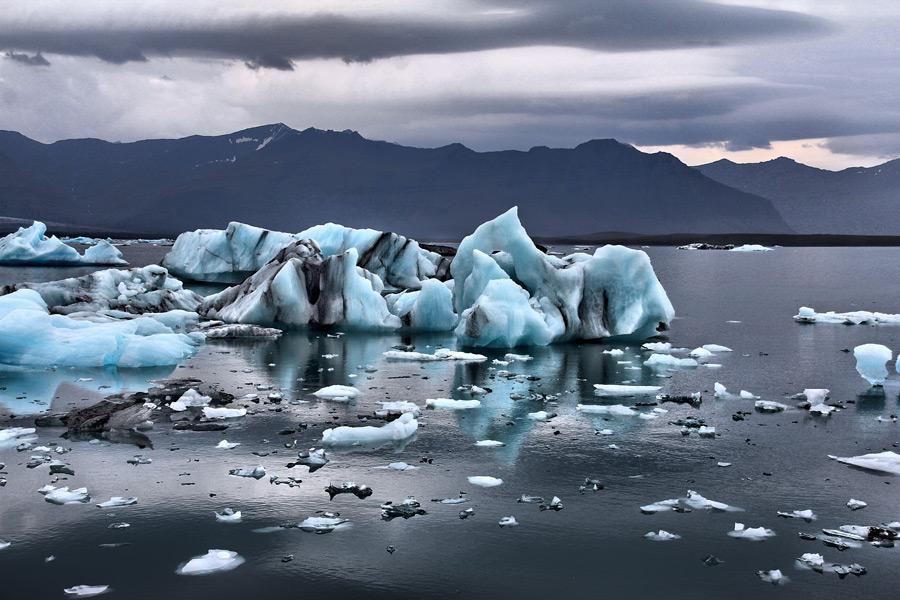 フリー写真 ヨークルスアゥルロゥンの流氷