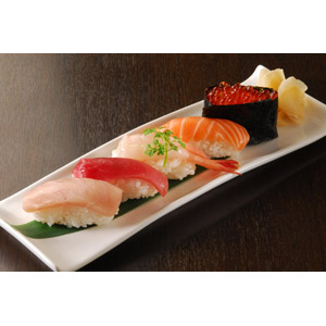 フリー写真, 食べ物(食料), 料理, 米料理, 魚介料理, 寿司(すし), 握り寿司, 軍艦巻き