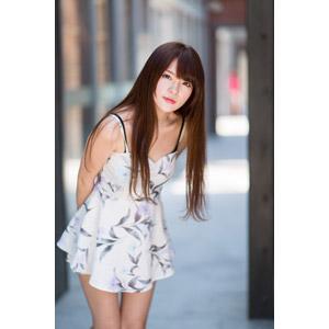 フリー写真, 人物, 女性, アジア人女性, 中国人, 欣欣(00001), チュニック, 屈む