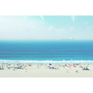 フリー写真, 風景, 人と風景, 海水浴, 海, 砂浜(ビーチ), 船, 貨物船