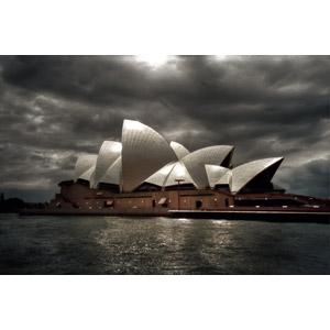 フリー写真, 風景, 建造物, 建築物, シドニー・オペラハウス, 劇場, 世界遺産, オーストラリアの風景, シドニー, 暗雲