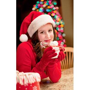 フリー写真, 人物, 女性, 外国人女性, アメリカ人, 年中行事, クリスマス, 12月, サンタの衣装, マグカップ, 玉ボケ