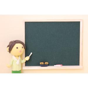 フリー写真, 人形, 女性, 職業, 仕事, 教師(先生), 教える, 指し棒, 黒板, 授業, 学習塾