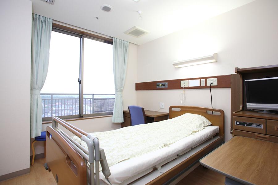 フリー写真 病院の病室