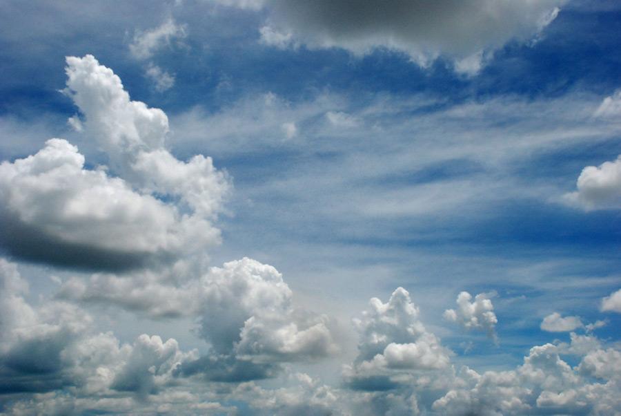 フリー写真 空と雲の風景