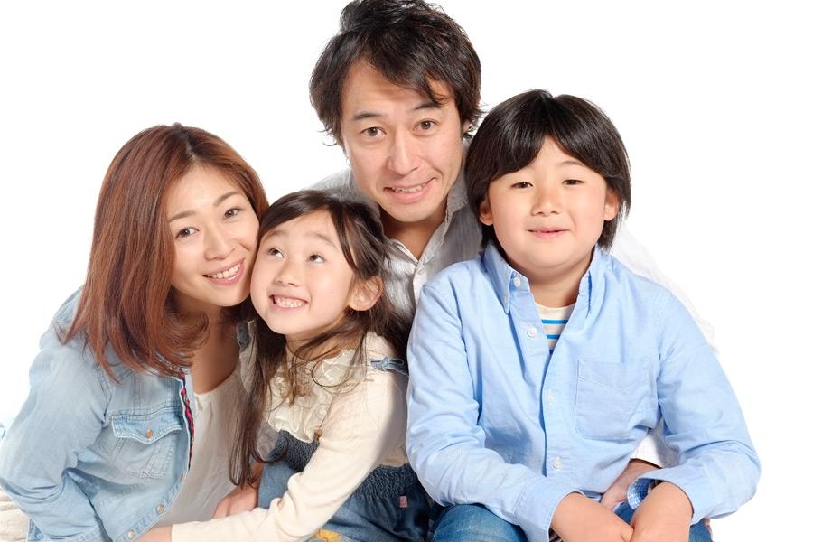 フリー写真 四人家族