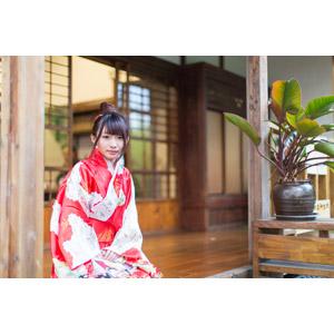 フリー写真, 人物, 女性, アジア人女性, 小花(00096), 中国人, 着物, 和服, 座る(床)