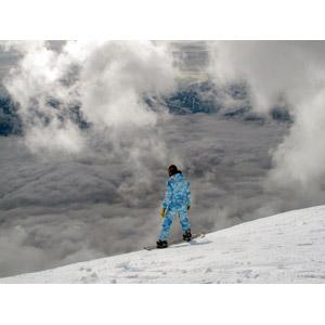 フリー写真, 人物, スポーツ, ウィンタースポーツ, スノーボード(スノボー), スノーボーダー, 冬, レジャー, 雲, 雲海, 雪