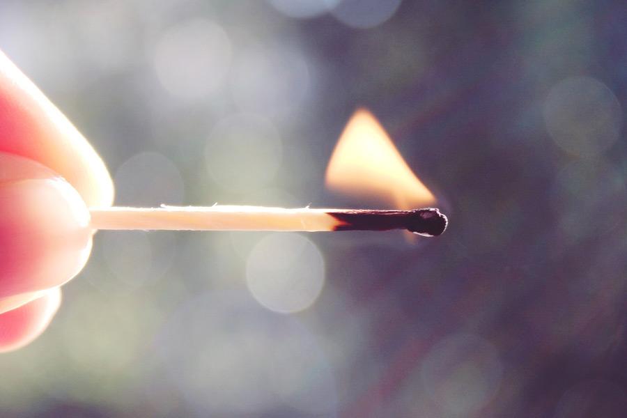 フリー写真 マッチの火