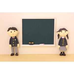 フリー写真, 人形, 学生(生徒), 高校生, 学生服, 学校, 二人, 少女, 少年, 黒板
