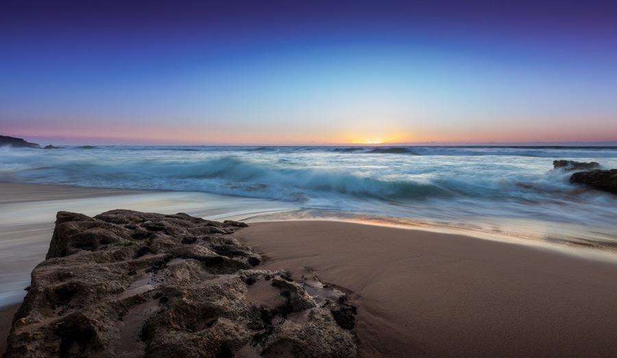 フリー写真 ポルトガルの夕暮れのビーチの風景