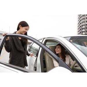 フリー写真, 人物, 女性, アジア人女性, 日本人, 女性(00031), 女性(00032), 二人, ドライブ, 人と乗り物, 自動車, 旅行(トラベル)