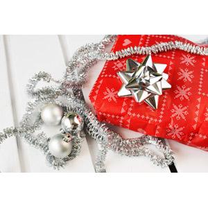 フリー写真, 年中行事, クリスマス, 12月, クリスマスプレゼント, 花リボン, クリスマスボール