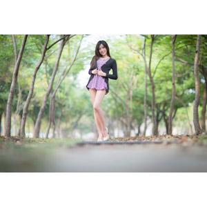フリー写真, 人物, 女性, アジア人女性, 楚珊(00053), チュニック, カーディガン, 人と風景, 樹木