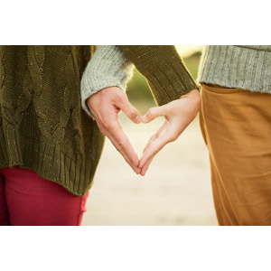 フリー写真, 人体, 手, カップル, 恋人, ハート, 手でハートを作る, 愛(ラブ)