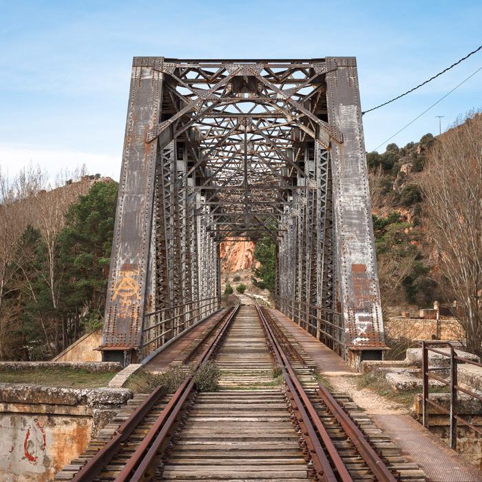 フリー写真 スペインの古い鉄橋の風景