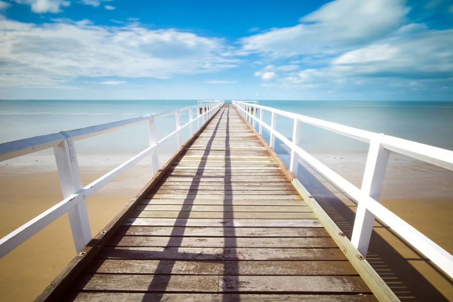 フリー写真 海と桟橋の風景