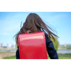 フリー写真, 人物, 子供, 女の子, アジアの女の子, 日本人, 女の子(00119), 学生(生徒), 小学生, 後ろ姿, ランドセル