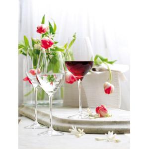 フリー写真, 食器, ワイングラス, 飲み物(飲料), お酒, ワイン, 赤ワイン, 植物, 花