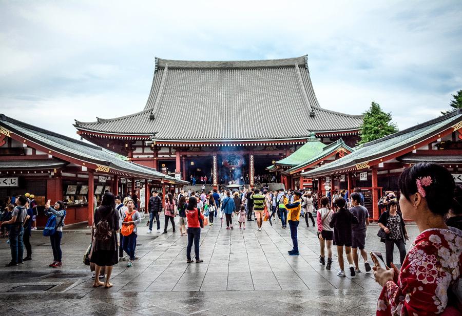 フリー写真 浅草寺本殿の風景