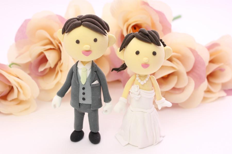 フリー写真 結婚式の新郎新婦の人形