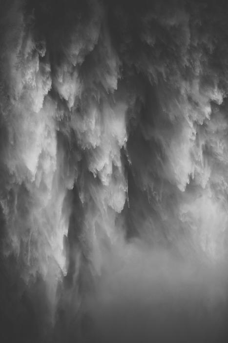 フリー写真 スノコルミー滝の流れ落ちる水の風景