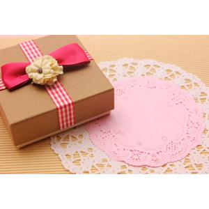 フリー写真, 年中行事, 2月, バレンタインデー, プレゼント, プレゼント箱, レース編み