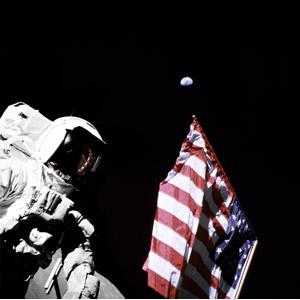フリー写真, 人物, 宇宙飛行士, 宇宙服, 人と風景, アメリカの国旗(星条旗), 月面着陸, 職業, 仕事, 天体, 惑星, 地球, 宇宙