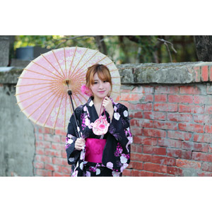 フリー写真, 人物, 女性, アジア人女性, 林海莉(00120), 中国人, 和服, 浴衣, 日傘, 巾着袋, レンガ