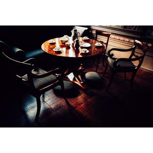フリー写真, 風景, 部屋, ダイニングテーブル, ソファー, 椅子(イス), ティータイム, ティーカップ, ソーサー