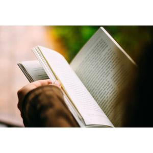 フリー写真, 人体, 手, 本(書籍), 読む(読書)