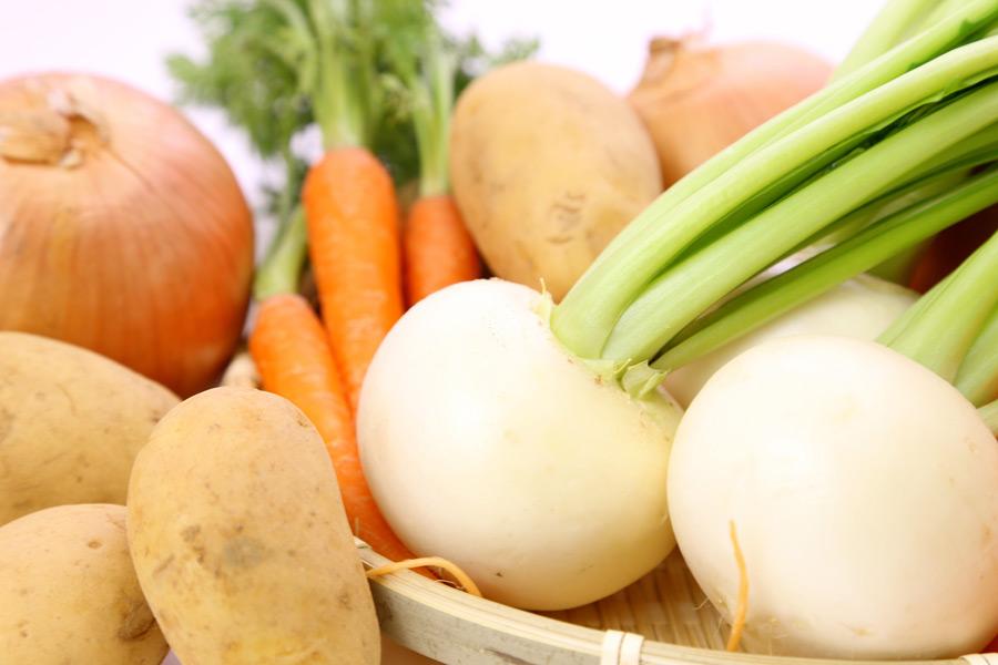 フリー写真 カブやジャガイモなどの野菜