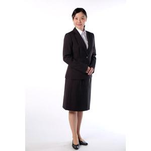 フリー写真, 人物, 女性, アジア人女性, 女性(00083), 日本人, ビジネス, 職業, ビジネスウーマン, OL(オフィスレディ), レディーススーツ, 白背景