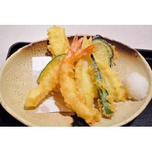 フリー写真, 食べ物(食料), 料理, 日本料理, 和食, 揚げ物, 魚介料理, 野菜料理, 天ぷら, 海老(エビ)