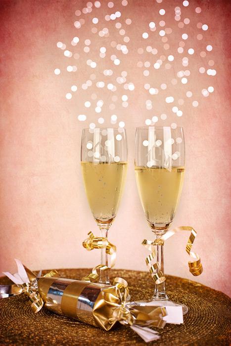 フリー写真 シャンパンと新年のお祝い