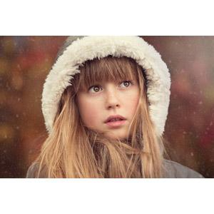 フリー写真, 人物, 子供, 女の子, 外国の女の子, 女の子(00034), フード, 雪, 冬