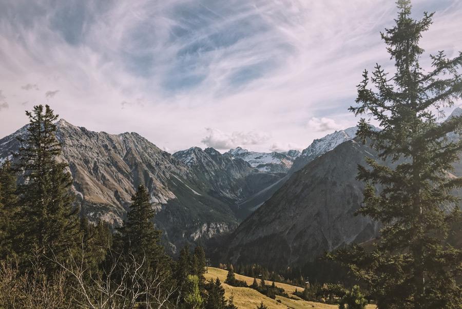 フリー写真 オーストリアの山脈の風景