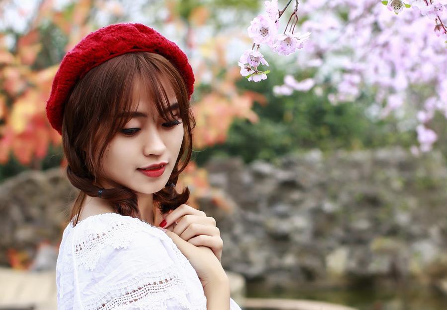 フリー写真 ベレー帽を被った女性