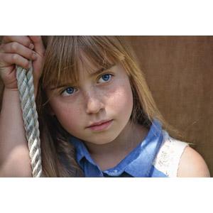 フリー写真, 人物, 子供, 女の子, 外国の女の子, 縄(ロープ), 女の子(00034)