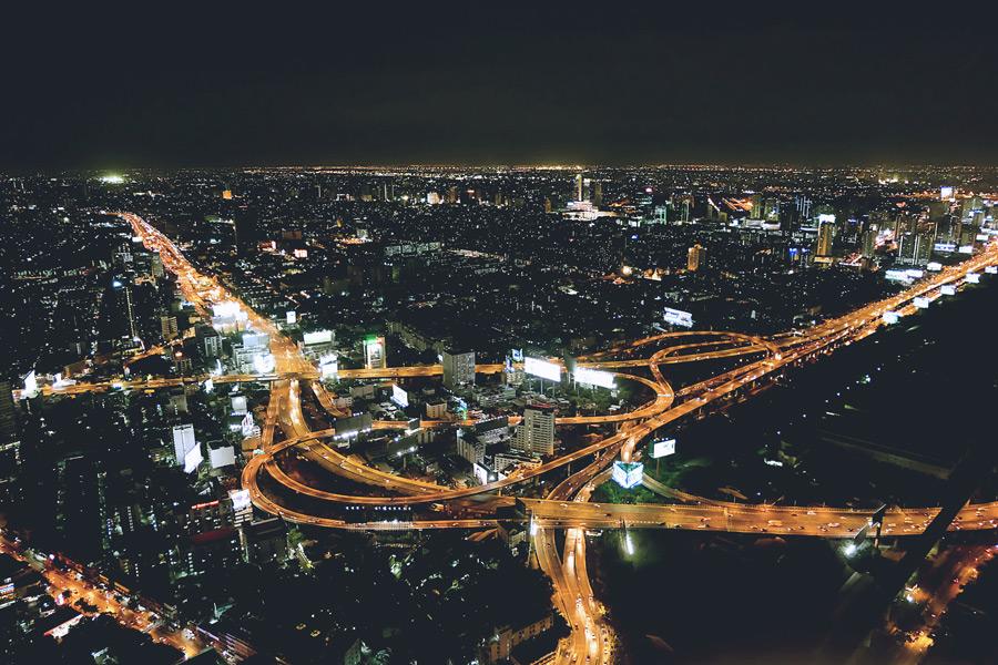 フリー写真 バンコクの高速道路と街の夜景