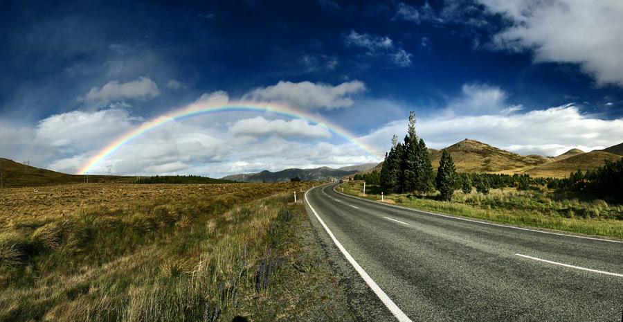 フリー写真 ニュージーランドの道路と虹の風景