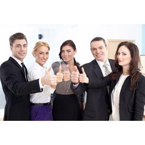 フリー写真, 人物, 集団(グループ), 職業, ビジネス, 仕事, ビジネスマン, ビジネスウーマン, サラリーマン, サムズアップ, いいね(グッド), 成功, 五人, 仲間