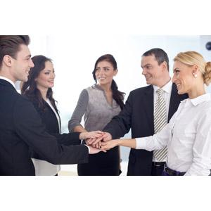 フリー写真, 人物, 集団(グループ), 職業, ビジネス, 仕事, ビジネスマン, ビジネスウーマン, サラリーマン, 仲間, 円陣, 手を重ねる
