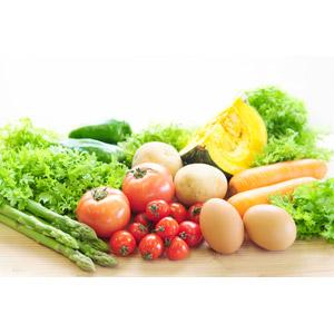 フリー写真, 食べ物(食料), 野菜, 卵(タマゴ), ピーマン, 南瓜(カボチャ), トマト, ミニトマト, 人参(ニンジン), じゃがいも(ジャガイモ), アスパラガス