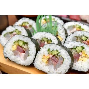 フリー写真, 食べ物(食料), 料理, 米料理, 日本料理, 和食, 寿司(すし), 巻き寿司