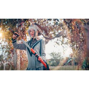 フリー写真, 人物, 女性, アジア人女性, 女性(00145), コスプレ, 武器, 刀剣, 日本刀, 眼鏡(メガネ), ツインテール, 三つ編み