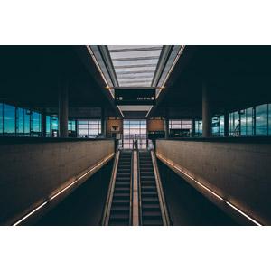 フリー写真, 風景, 建造物, 建築物, 空港, エスカレーター, スイスの風景