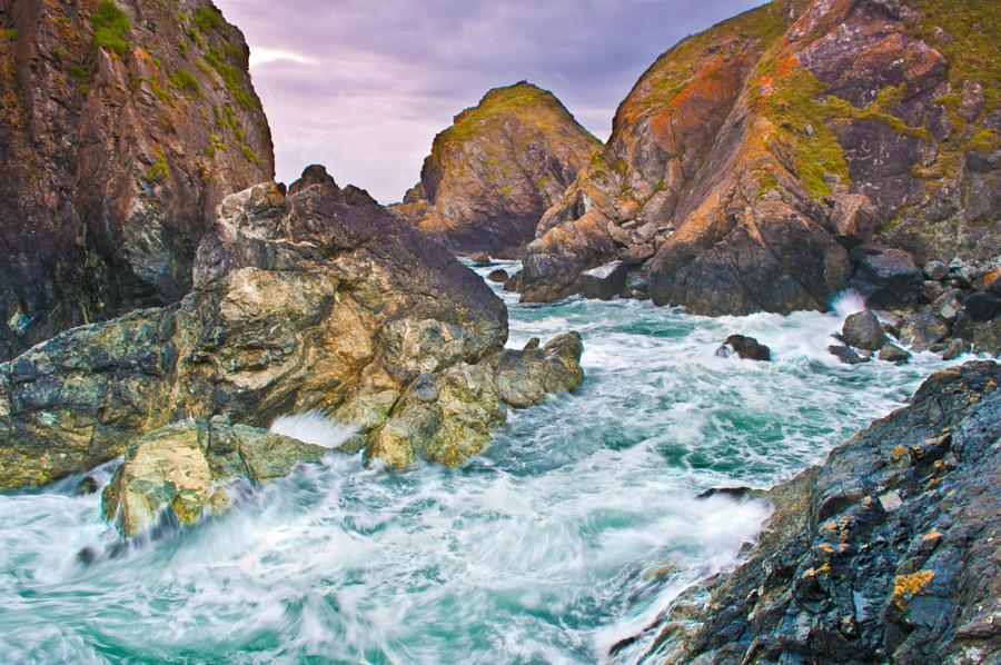 フリー写真 コーンウォールの海と岩の風景