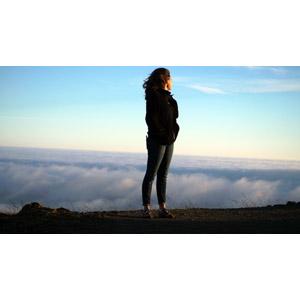 フリー写真, 人物, 女性, 外国人女性, 人と風景, 雲海, 眺める, 雲