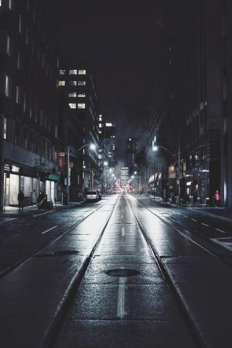 フリー写真 トロントの夜の街並みと通りの風景